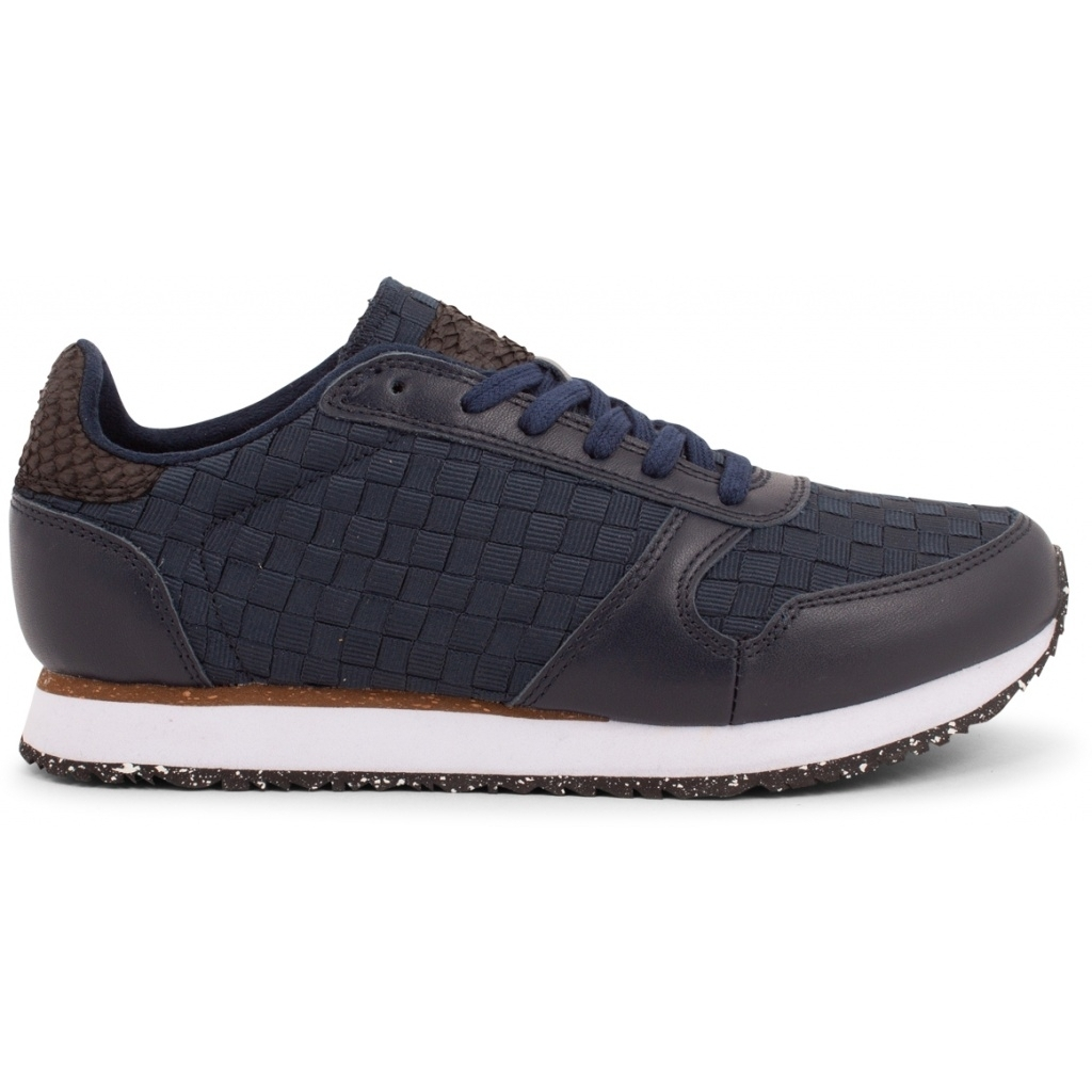 WODEN_Sneakers-minimalistic-sustainability-Ydun_NSC-WNS1000-010-Navy