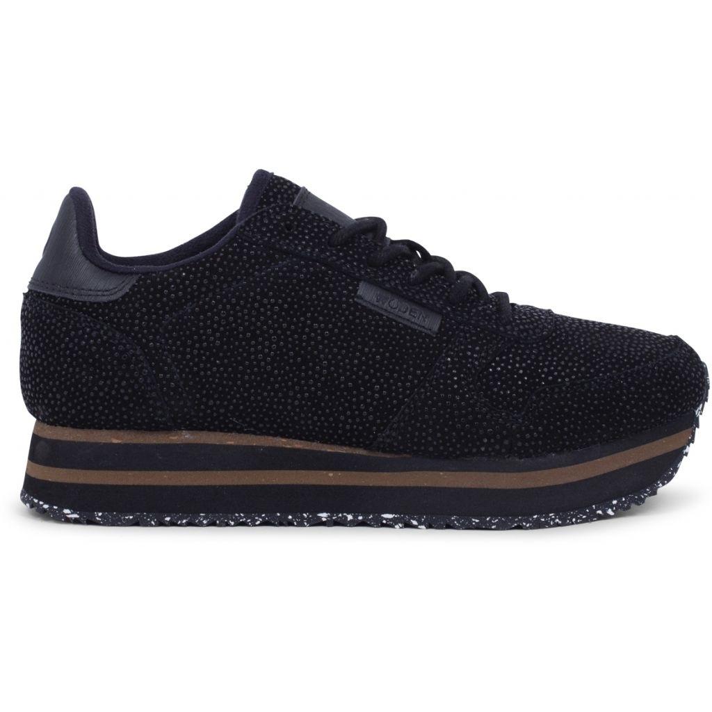 WODEN_Sneakers-minimalistic-sustainability-Ydun_Pearl_Plateau-WL1770-020-Black